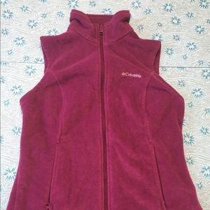 COLUMBIA Women's magenta vest, size medium